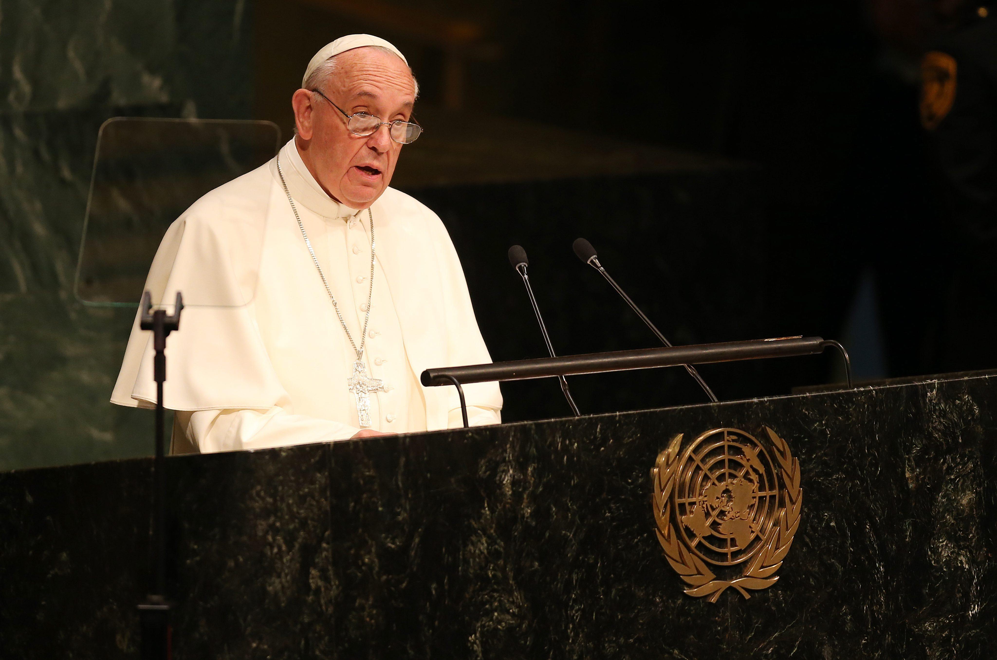 Para o papa Francisco, não há justificativas para esse tipo de atentado.