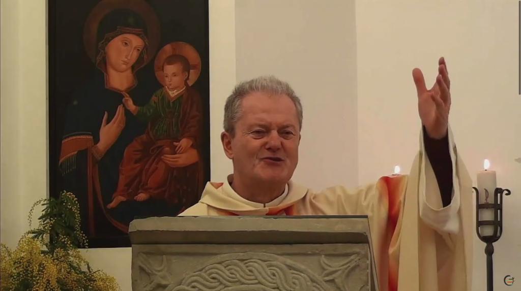 Celebração presidida por padre Stefano Camerlengo em comemoração dos 120 anos de vida e missão do Instituto Missões Consolata, Roma, Itália.