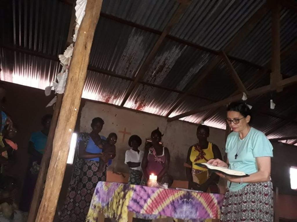 Irmã Ana dirige Leitura Orante da Palavra de Deus nas comunidades_Foto Arquivo Pessoal
