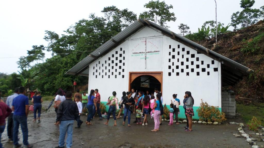 Capela Indígena na Amazônia equatoriana. Foto: Julio Caldeira