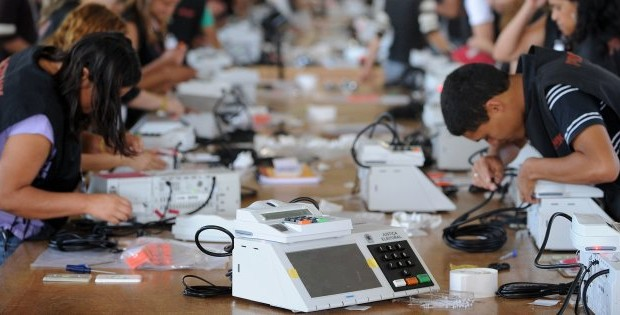 Brazilian Electoral Court employees prepare eletronic ballot boxes for the upcoming October 3 general election, in Brasilia, on September 22, 2010. Around 500 thousand electronic ballot boxes will be used in the election. AFP PHOTO/Evaristo SA (Photo credit should read EVARISTO SA/AFP/Getty Images)