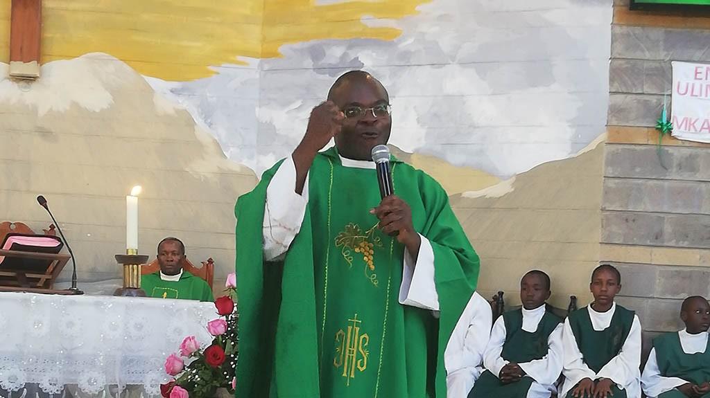 Padre Godfrey Msumange, Conselheiro Geral para a África.
