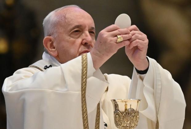 pastor_concelebrando_missa_catolica