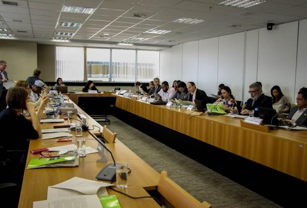 Adelar Cupsinski, assessor jurídico do Cimi, introduziu o trabalho do GT.