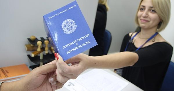 Resultado de imagem para CRÍTICA ÀS REFORMAS DE TEMER, CNBB PRETENDE LEVAR O TEMA ÀS MISSAS E COMUNIDADES DE TODO PAÍS