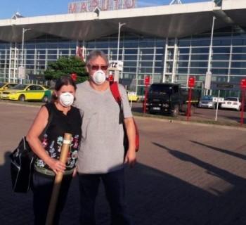 Rosane e César Campos retornam de Pemba, Moçambique ao Brasil.